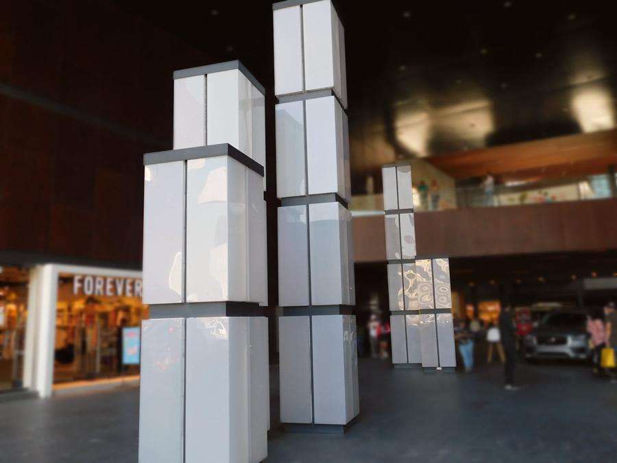 Plaza Antea Querétaro - Diseño y fabricación de paneles de entrada