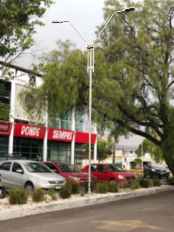 Plaza el Río - Diseño y fabricación de Postes