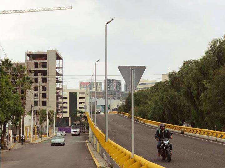 Epigmenio González - Diseño y fabricación de postes